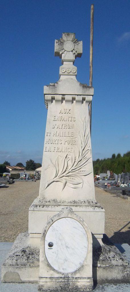 Monument aux morts Ayron